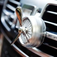 IROOTS 艾璐斯創意車載香水精油汽車空調出風口香薰車用香水夾除異味 銀色 十八世紀香型