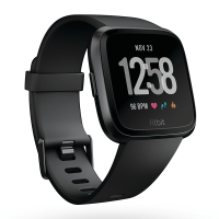 Fitbit  Versa 运动智能手表NFC 健身防水 蓝牙可通话 自动锻炼识别 音乐存储 来电短信微信提醒 黑色